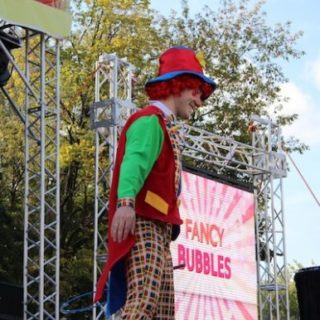 ФЕНСИ БАБЛС - Коллектив артистов Егора Хахуляка, шоу мыльных пузырей FANCY BUBBLES