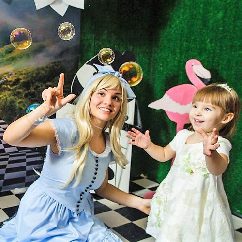 Фото мыльные пузыри Алиса